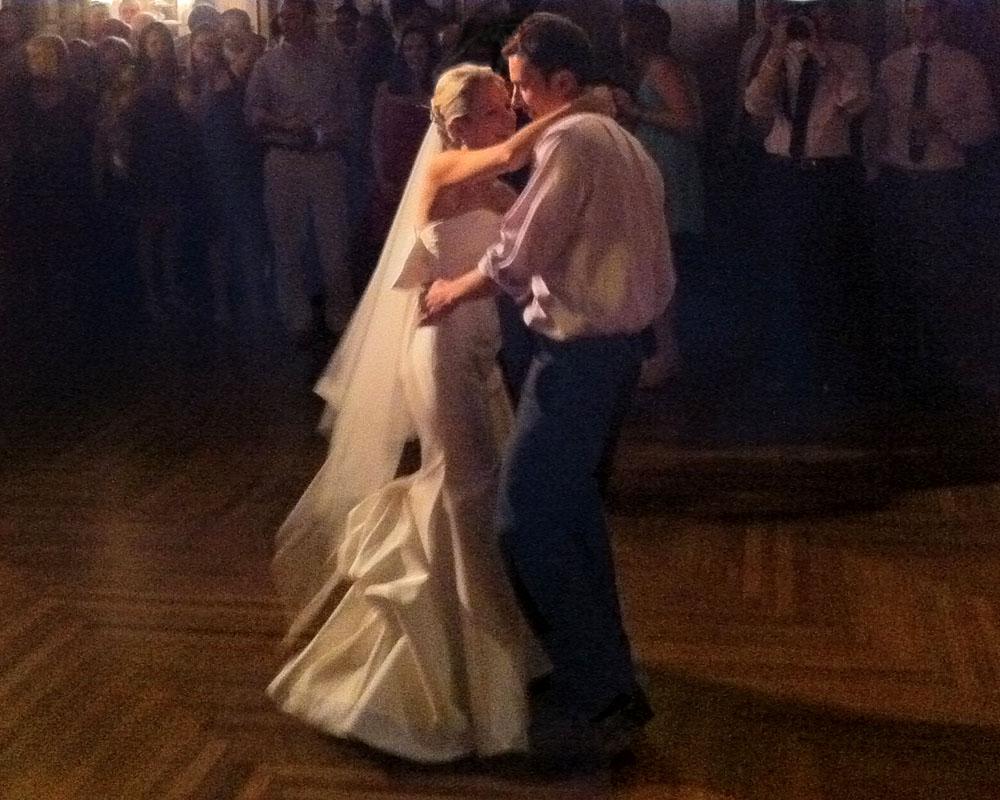 Ashley & Jon's First Dance, to Al Green