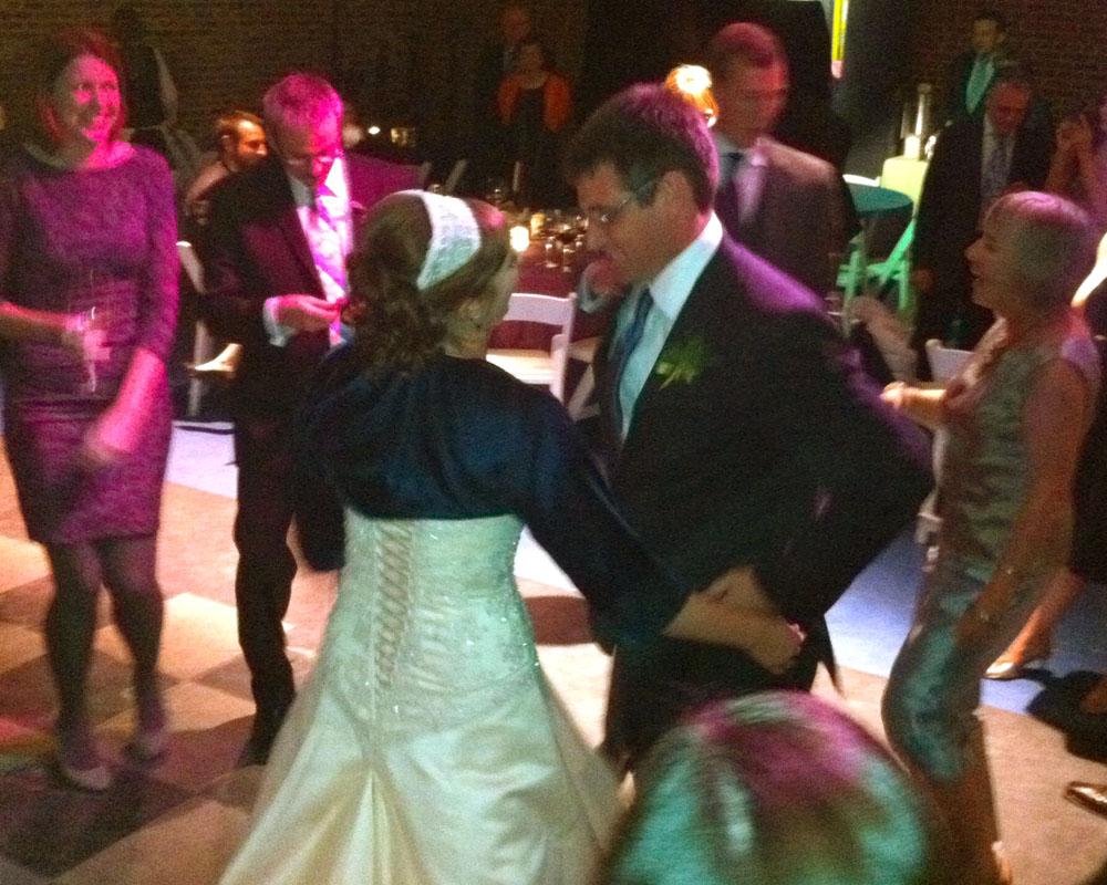 Nicole & Rod take the spotlight at their wedding