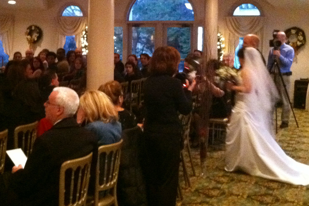 Lindsay's father walks her down the aisle at Ceresville Mansion
