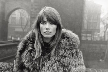 The French singer and actress Francoise Hardy wearing a fur coat in Piazza Sant'Ambrogio. Milan, 1960s (Photo by Mondadori Portfolio via Getty Images)